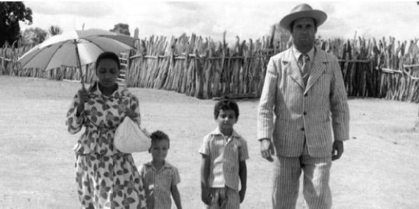 Família de retirantes em Vidas Secas no resumo e análise do Beduka