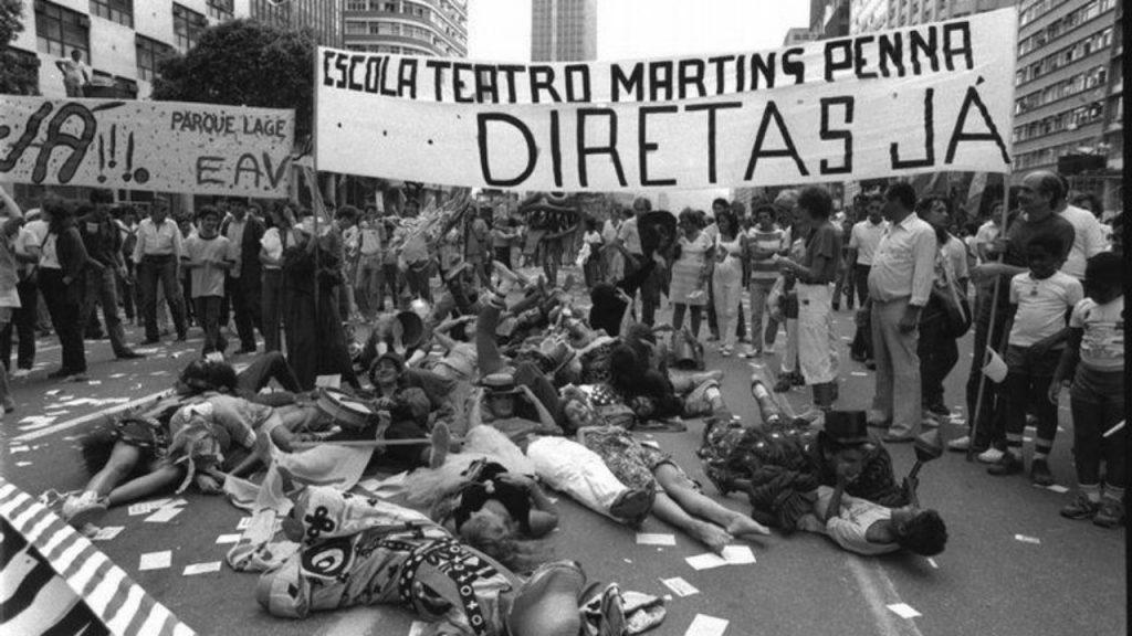 movimento Diretas Já -Exercícios sobre Ditadura Militar