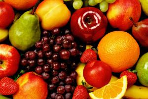 Os frutos são formados e são responsáveis pela proteção das sementes.