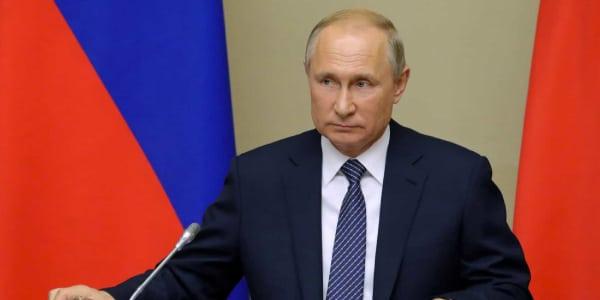 Diferença-entre-Monarquia-e-República-Vladimir-Putin