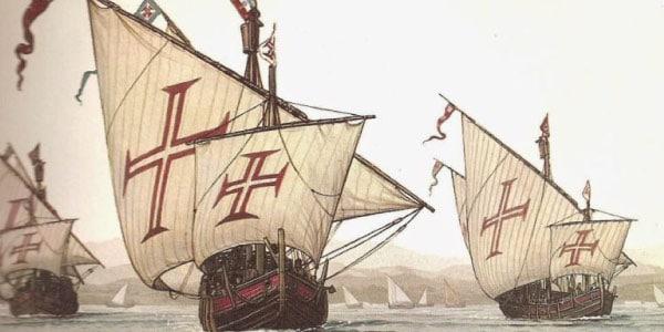 Chegada-dos-portuguess-ao-brasil.-navegavam-em-suas-caravelas-com-a-cruz-de-malta-nas-grandes-navegaçoes